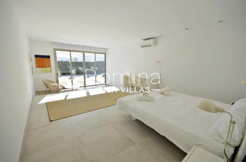 romina-ibiza-villas-rv-869-86-4bedroom3