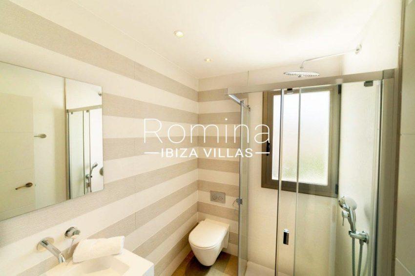 romina-ibiza-villas-rv-869-86-5shower room2