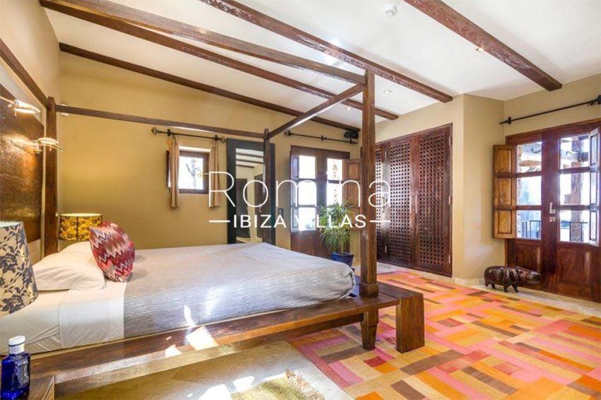 romina-ibiza-villas-rv-877-27-villa-olympia-4bedroom3