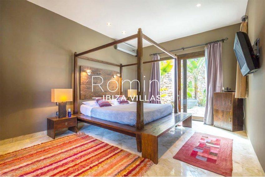romina-ibiza-villas-rv-877-27-villa-olympia-4bedroom5
