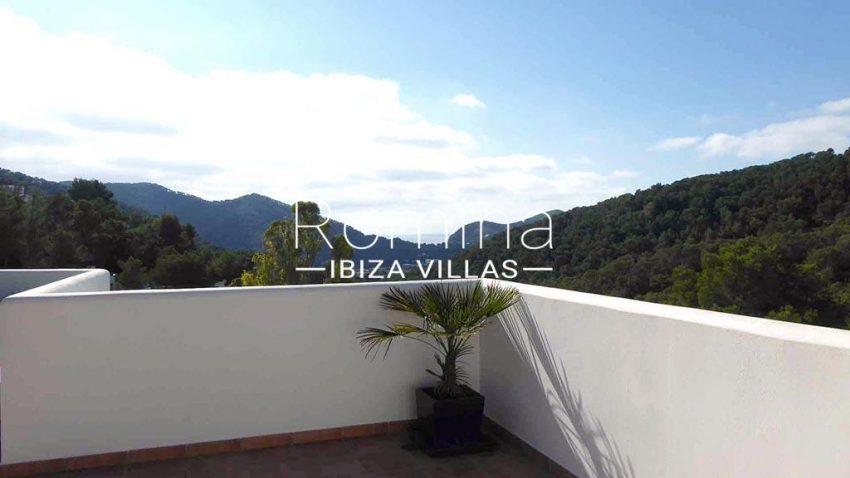 romina-ibiza-villas-rv-881-30-casa-boj-1rooftop terrace view