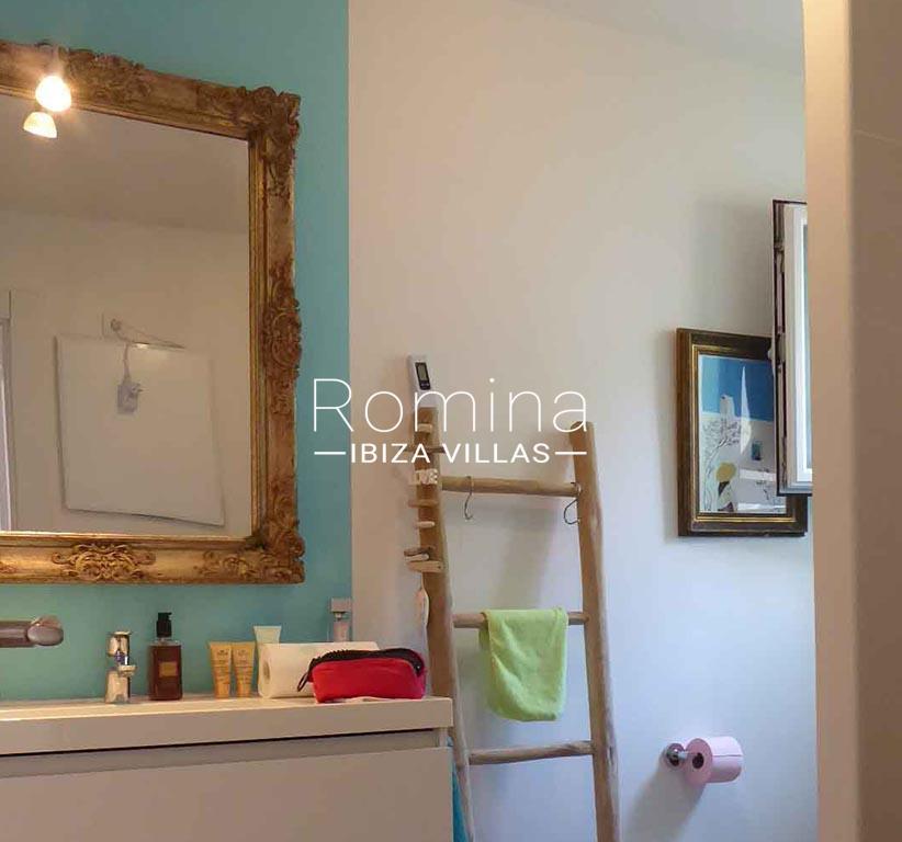 romina-ibiza-villas-rv-881-30-casa-boj-5shower room