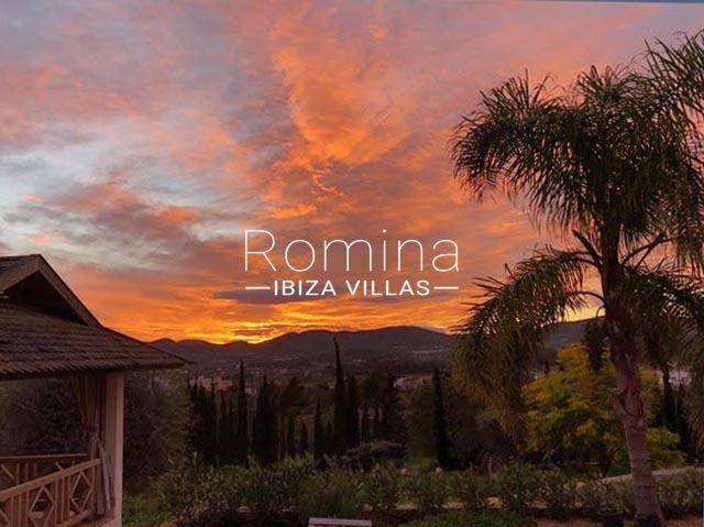romina-ibiza-villas-rv-884-01-can-vesta-1sunset