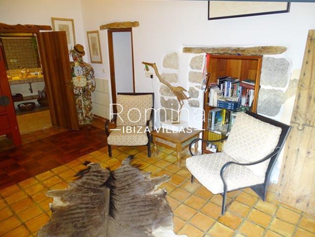 romina-ibiza-villas-rv-884-01-can-vesta-3living room armchairs