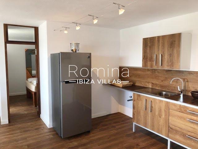 romina-ibiza-villas-rv-884-01-can-vesta-3zkitchen guest house