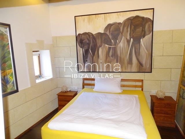 romina-ibiza-villas-rv-884-01-can-vesta-4bedroom3