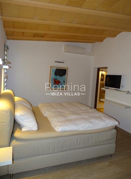 romina-ibiza-villas-rv-884-01-can-vesta-4bedroom4