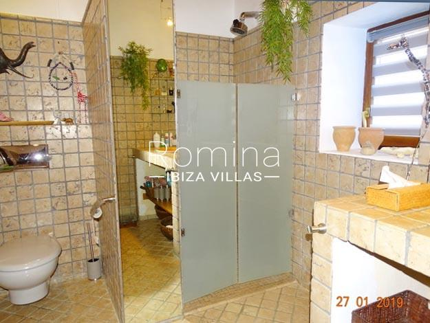 romina-ibiza-villas-rv-884-01-can-vesta-5bathroom