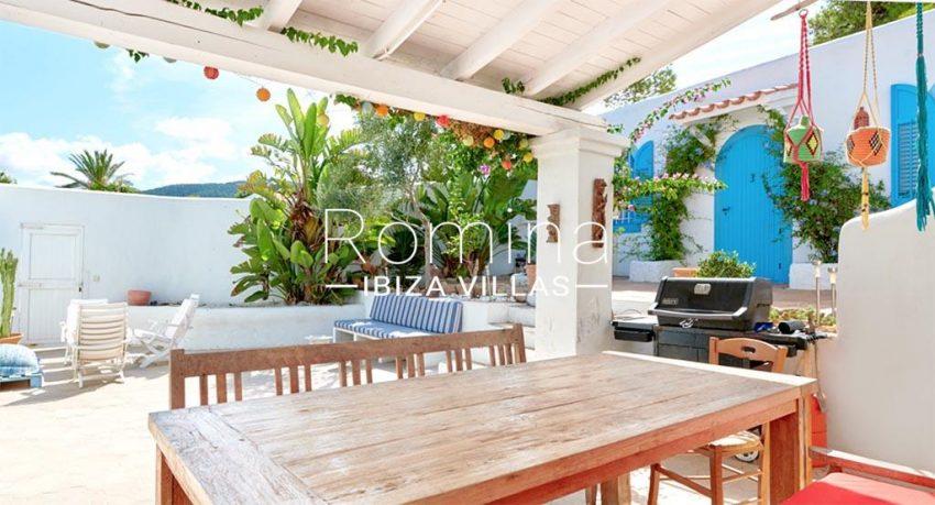 romina-ibiza-villas-rv-536-01-can-nedi-2patio porch dining area2