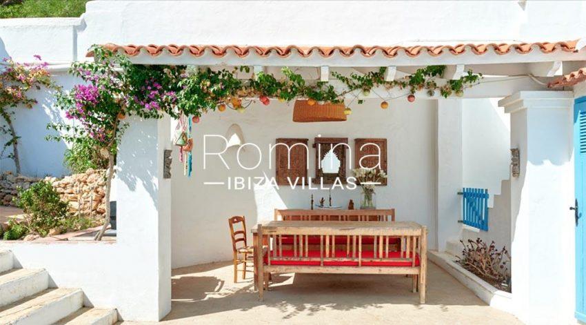 romina-ibiza-villas-rv-536-01-can-nedi-2porch dining area patio