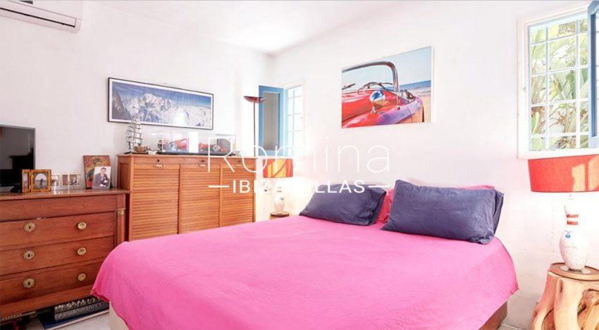 romina-ibiza-villas-rv-536-01-can-nedi-4bedroom1bis main house