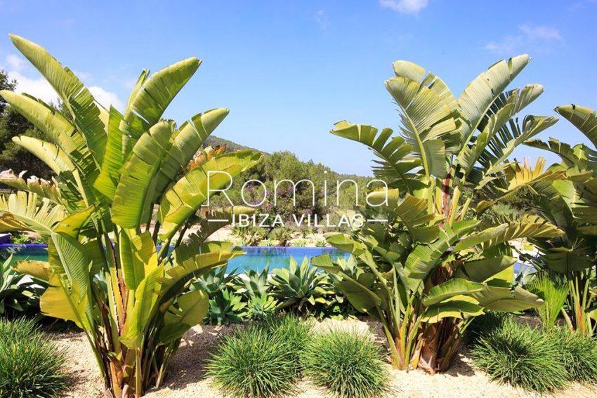 romina-ibiza-villas-rv-888-04-villa-can-taraguet-2garden pool4
