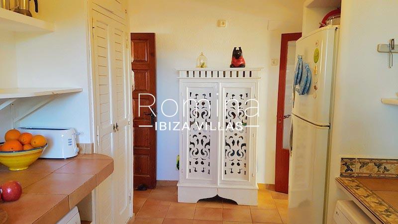 romina-ibiza-villas-rv-891-57-villa-adelfa-3zkitchen