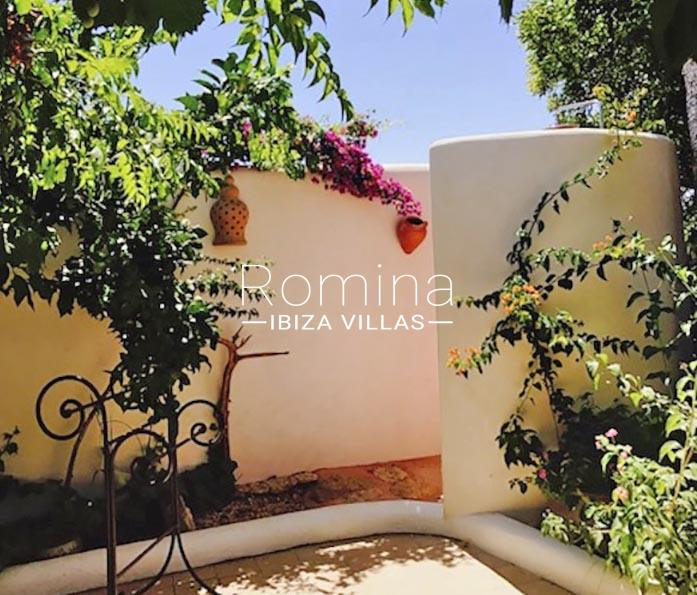 romina-ibiza-villas-rv-891-57-villa-adelfa-outdoor shower