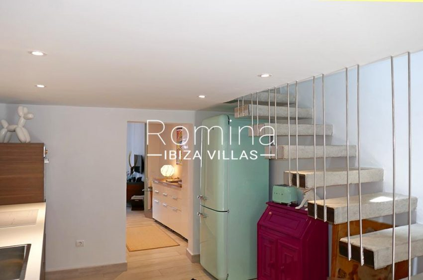 romina-ibiza-villas-rv-892-57-casita-dalt-vila-3zkitchen stairs2
