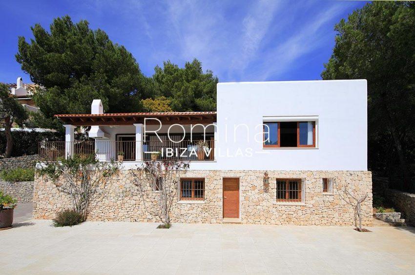romina-ibiza-villas-rv-893-81-villa-mimosa-2facade
