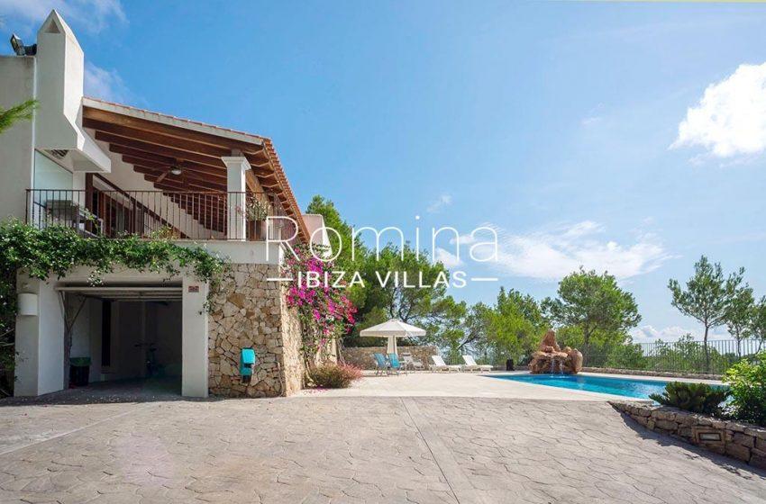 romina-ibiza-villas-rv-893-81-villa-mimosa-2facade pool
