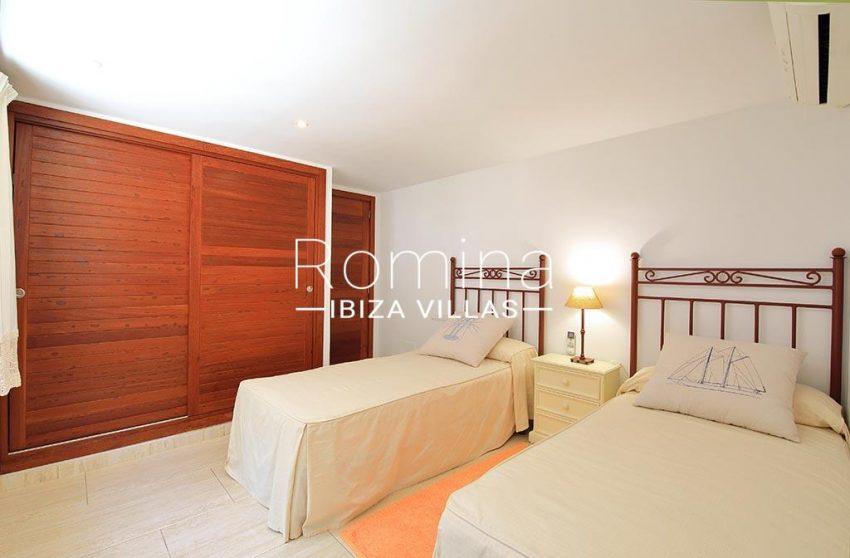 romina-ibiza-villas-rv-893-81-villa-mimosa-4bedroom2bis