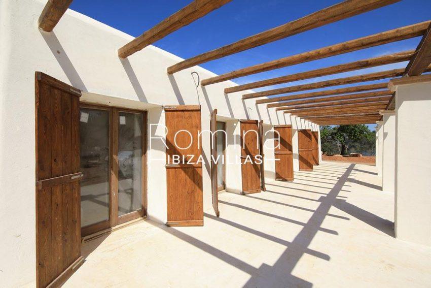romina-ibiza-villas-rv-894-92-finca-ses-torres-2pergola terrace