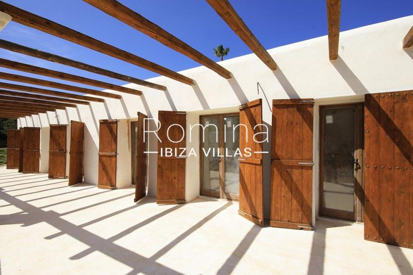 romina-ibiza-villas-rv-894-92-finca-ses-torres-2pergola terrace2