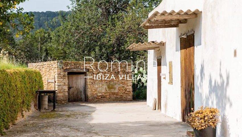 romina-ibiza-villas-rv-895-81-finca-can-pep-2terrace house