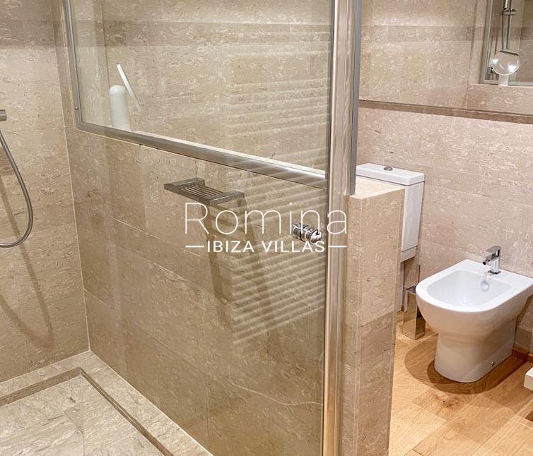 romina-ibiza-villas-rv-898-73-apto-dean-5shower room