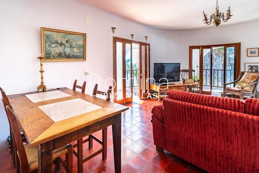 romina-ibiza-villas-rv-899-94-villa-clematis-3living dining room2