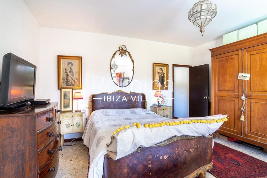 romina-ibiza-villas-rv-899-94-villa-clematis-4bedroom1