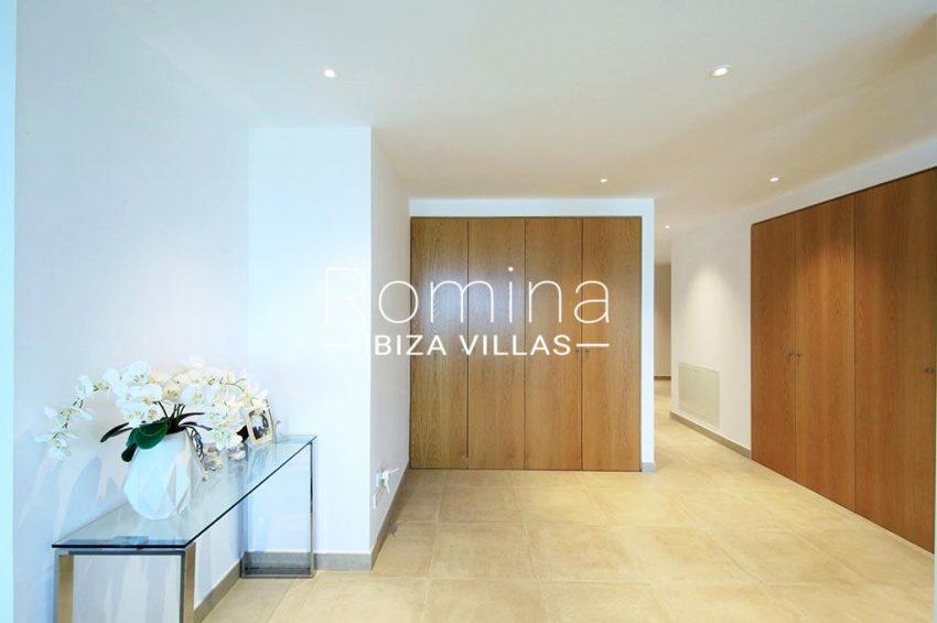 romina-ibiza-villas-rv-903-93-atico-park-3entrance hall
