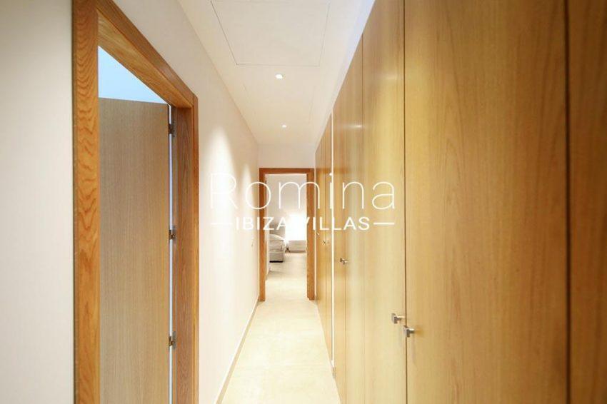 romina-ibiza-villas-rv-903-93-atico-park-3zcorridor wardrobes