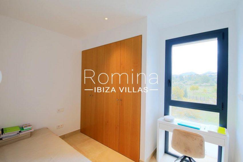 romina-ibiza-villas-rv-903-93-atico-park-4bedroom2 desk