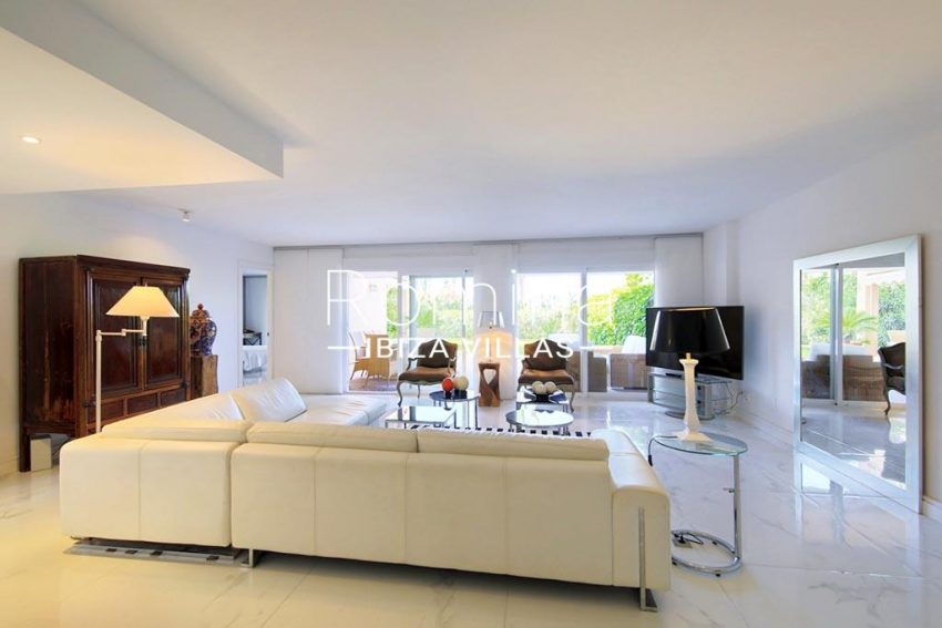romina-ibiza-villas-rv-904-01-apto-nerea-3living room
