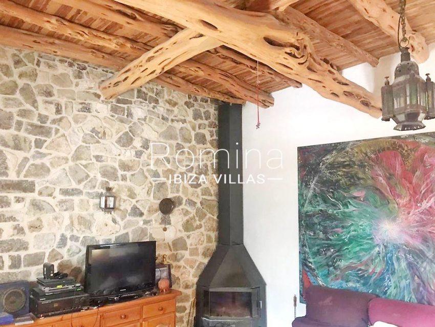 romina-ibiza-villas-rv-909-81-finca-ca-toni-den-fornas-3living room fireplace