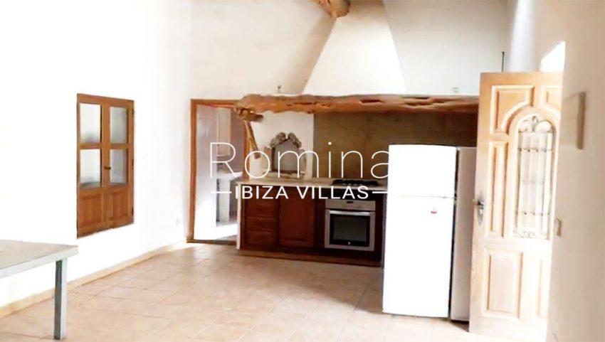 romina-ibiza-villas-rv-909-81-finca-ca-toni-den-fornas-3zkitchen3