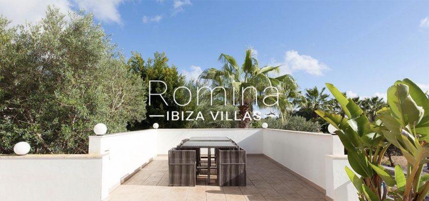 romina-ibiza-villas-rv-910-05-can-garrovers-2terrace diningarea
