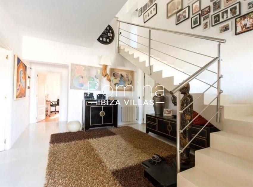 romina-ibiza-villas-rv-910-05-can-garrovers-3staircase