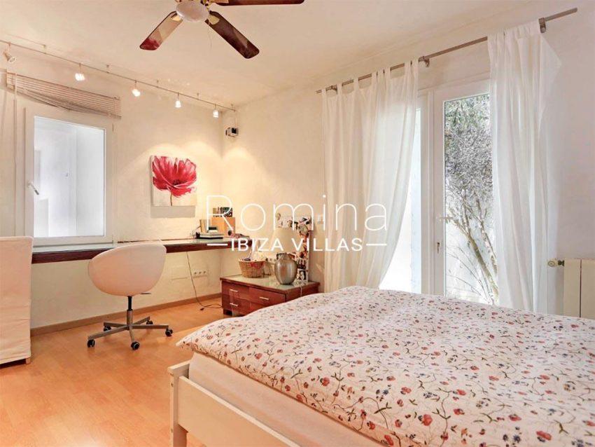 romina-ibiza-villas-rv-912-57-villa-calanta-4bedroom