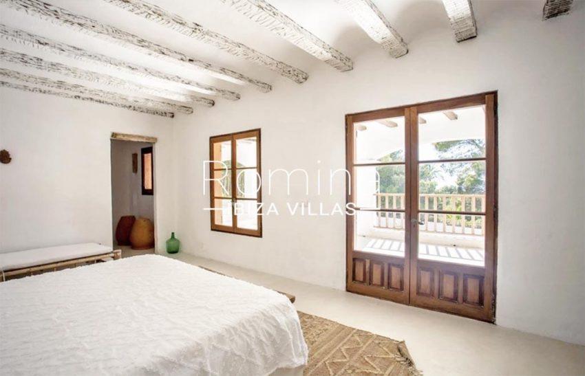 romina-ibiza-villas-rv-912-57-villa-calanta-4bedroom3