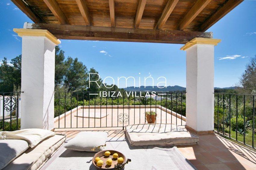 romina-ibizavillas-rv-911-01-casa-alzahar-1upper terrace view hills