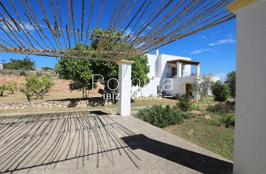 romina-ibizavillas-rv-911-01-casa-alzahar-2terrace garden facade