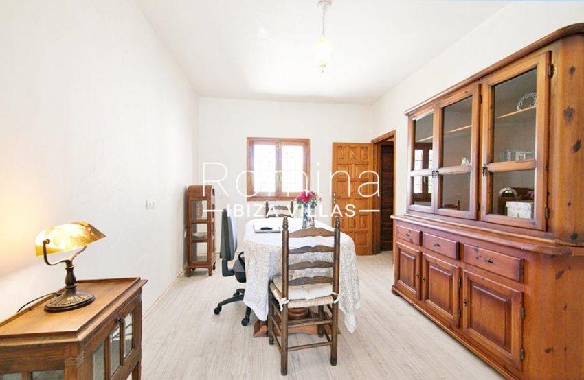 romina-ibizavillas-rv-911-01-casa-alzahar-3zdining room
