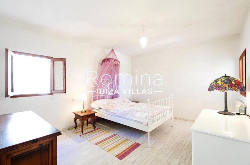 romina-ibizavillas-rv-911-01-casa-alzahar-4bedroom3