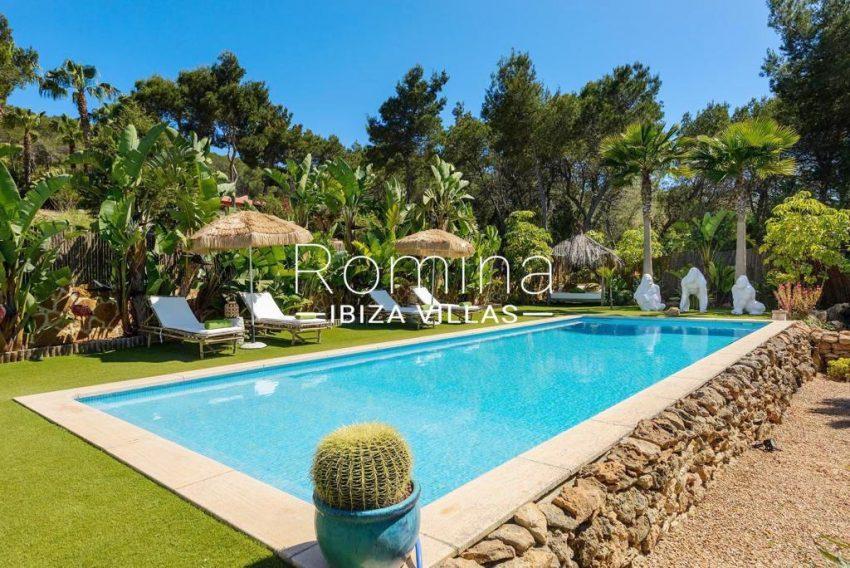 romina-ibiza-villas-rv-914-06-villa-azulita-2pool garden2