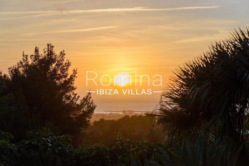 romina-ibiza-villas-rv-914-06-villa-azulita-2sunset
