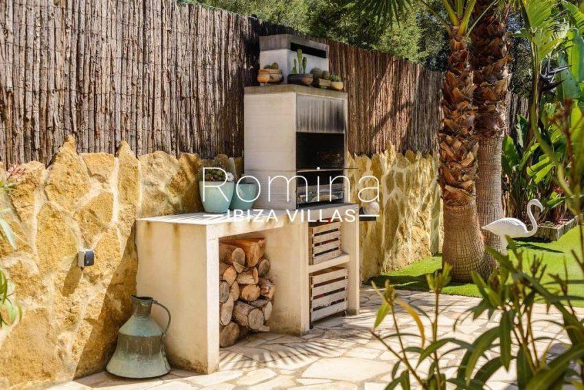 romina-ibiza-villas-rv-914-06-villa-azulita-2terrace barbecue