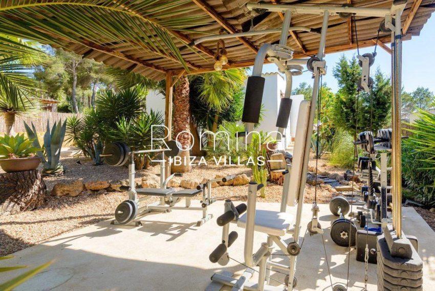 romina-ibiza-villas-rv-914-06-villa-azulita-2terrace gym2