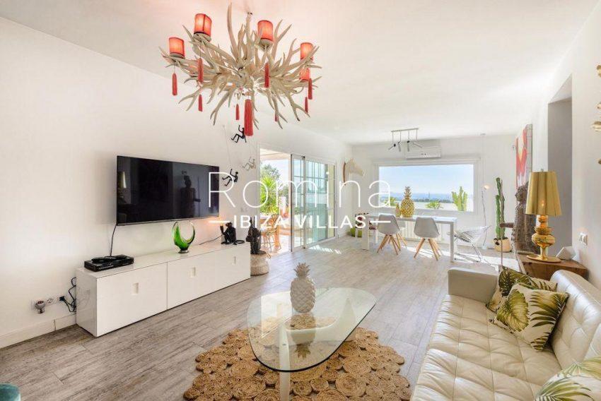 romina-ibiza-villas-rv-914-06-villa-azulita-3living dining room2