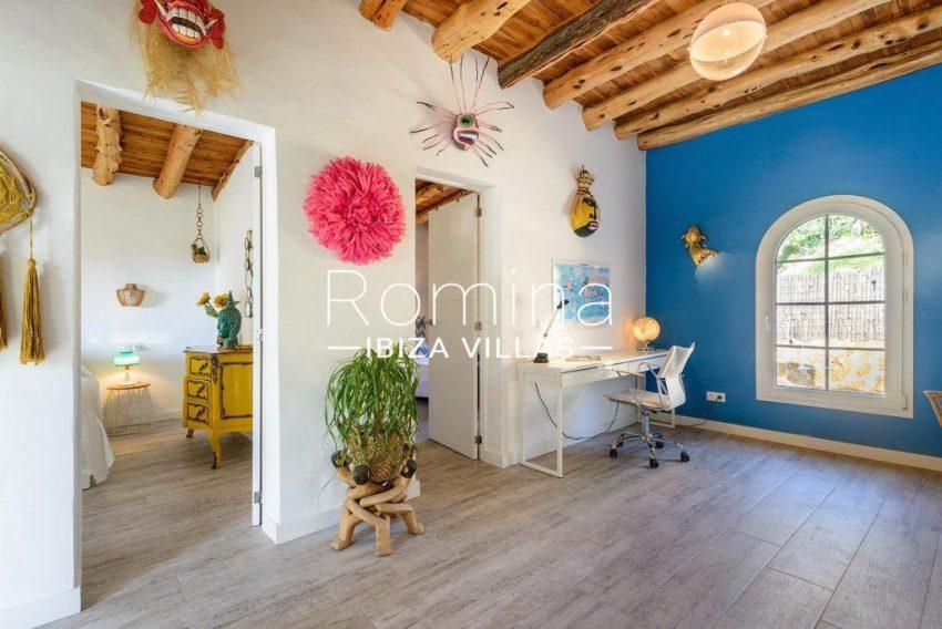 romina-ibiza-villas-rv-914-06-villa-azulita-3office