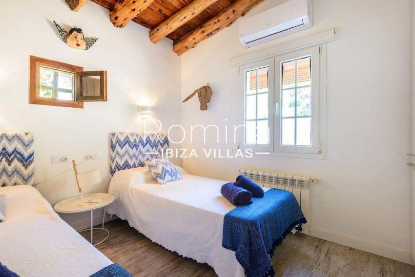 romina-ibiza-villas-rv-914-06-villa-azulita-4bedroom3bis