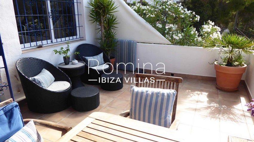 romina-ibiza-villas-rv881-30-casa-boj-2terrace dining lounge area